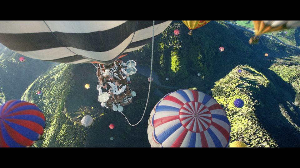 Ogilvy Paris Perrier Hot Air Balloon | STAH MAGAZINE