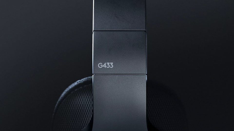 manvsmachinelogitec G433 headphones | STASH MAGAZINE
