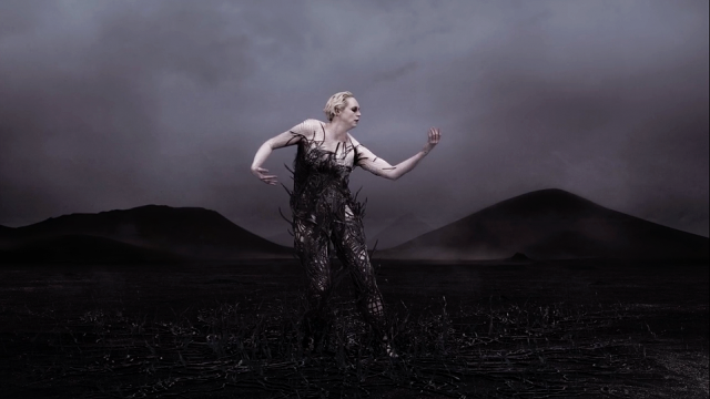 Gwendoline Christie The Dress | STASH MAGAZINE